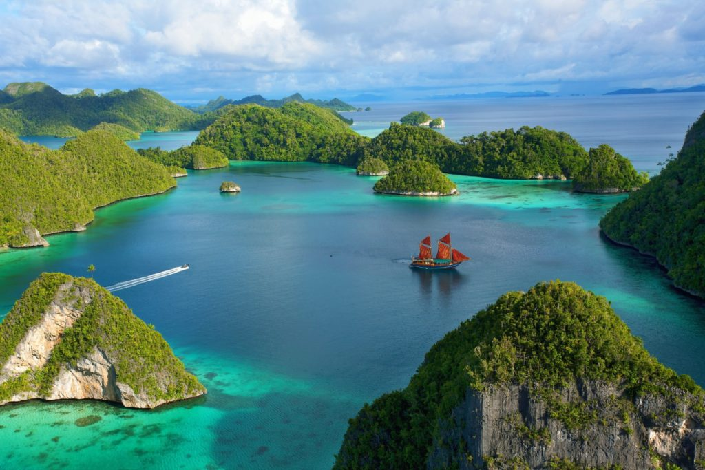Куда поехать в апреле? Туры на остров Бали. Фото Индонезия.