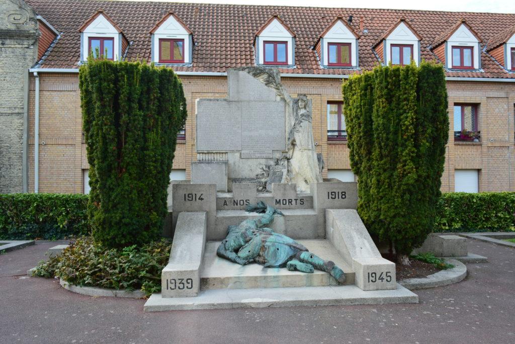 Берг Монумент+погибшим+в+первой+и+второй+мировых+войнах