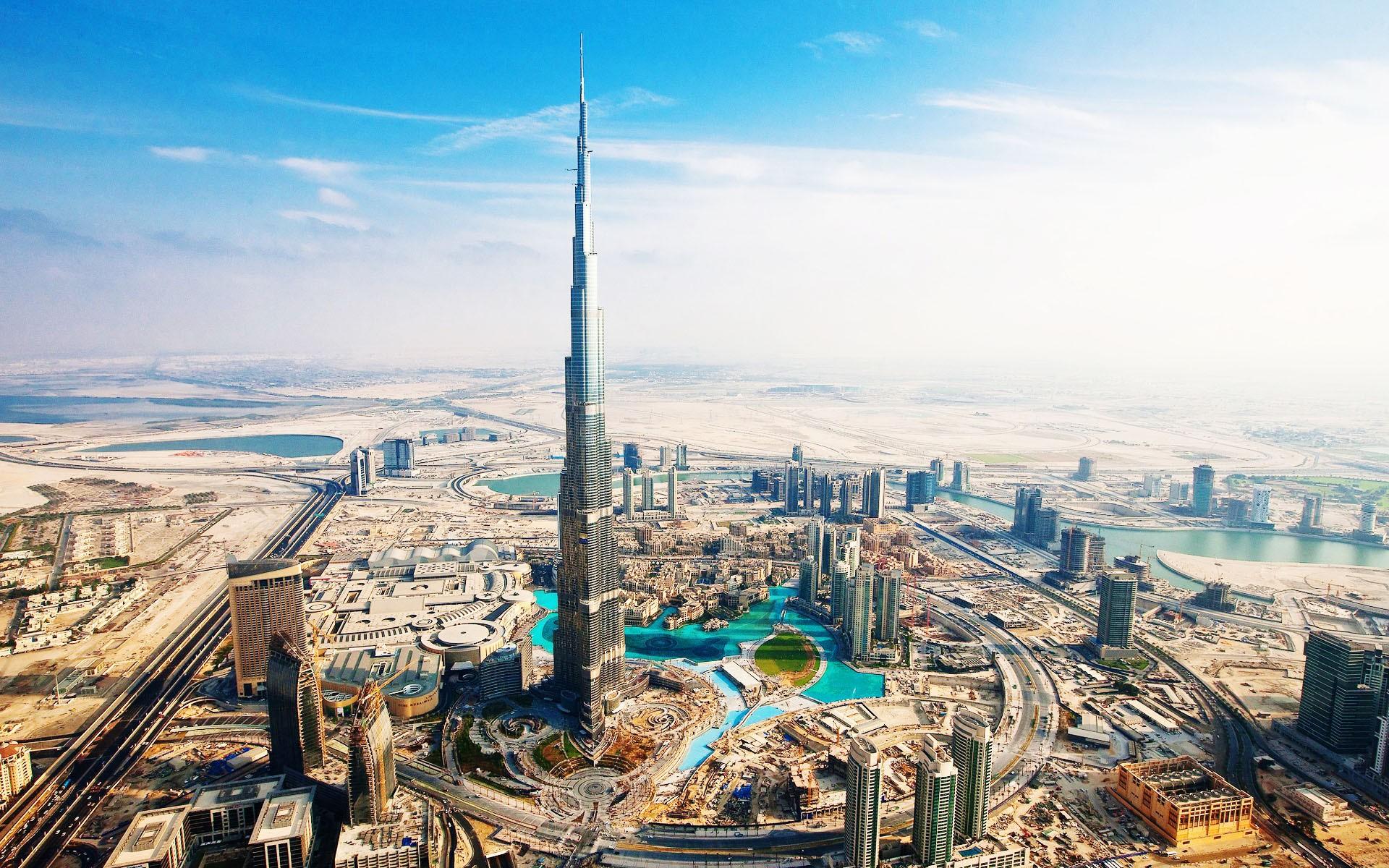 Небоскреб-Бурдж-Халифа-в-Дубае